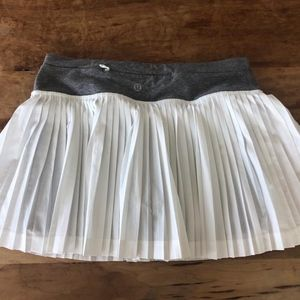 Lululemon pleat to street skirt